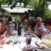 24-06-18 Barbecue 25 - Enfin tous à table